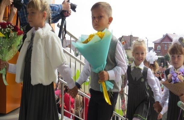 «Бороться и искать, найти и не сдаваться», - пожелал первым ученикам школы Сколково губернатор Никитин