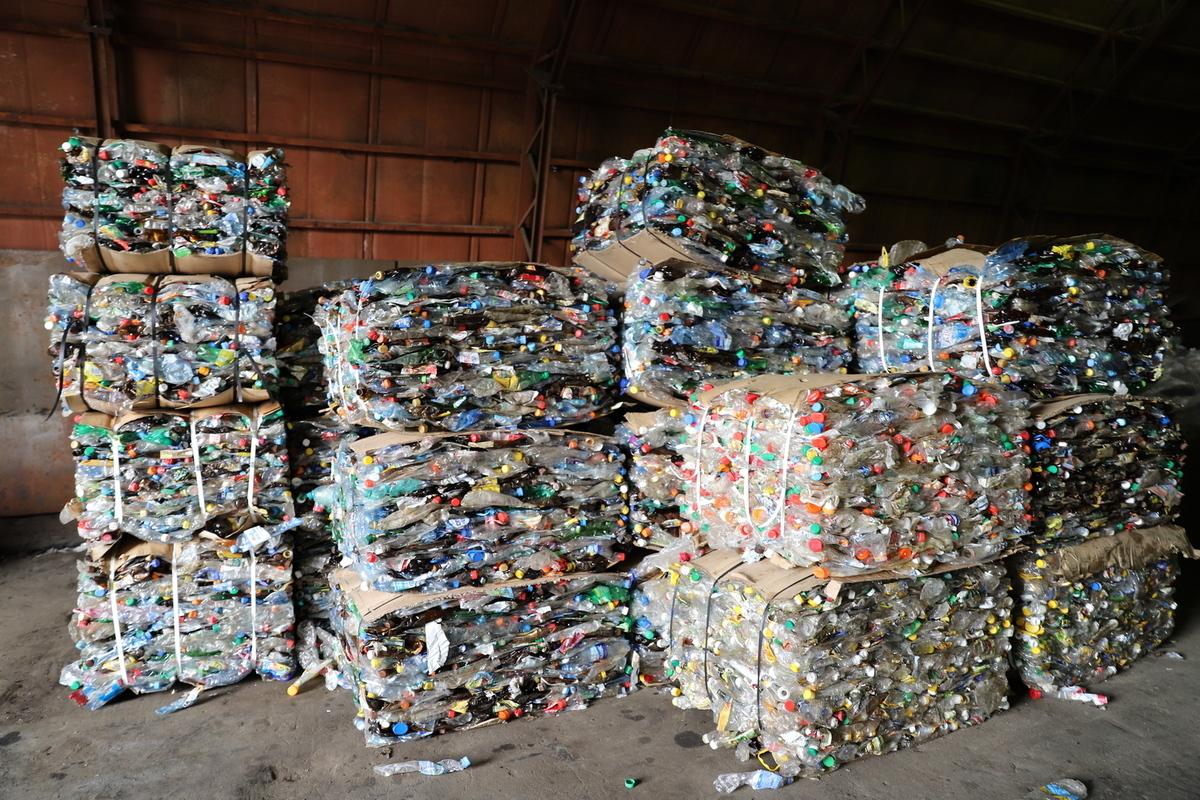 Более восьми тонн пластиковых отходов отправлено на переработку